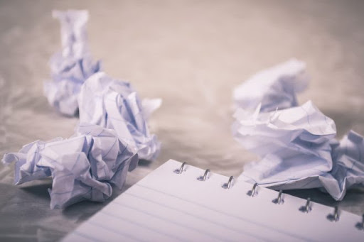 Guide by an essay writer to avoid writing mistakes